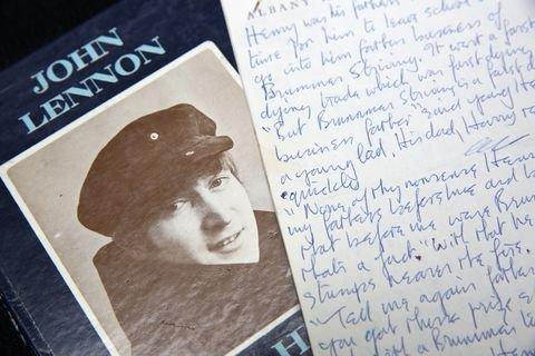 7. ג'ון לנון – 12 מיליון דולר